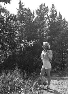missingmarilyn:  Marilyn Monroe photographed by Ed Clark, 1950.