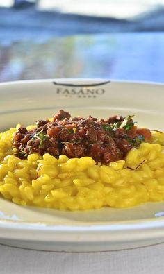 Receita de risoto de açafão com ragu, exclusivo do restaurante Fasano.
