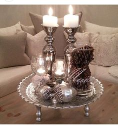 Weihnachtsszene - Home Page Coffee Table Decor Living Room, Decorating Coffee Tables, Living Room Decor, Table Centerpieces, Table Decorations, Christmas Decorations, Coffee Table Styling, Deco Table, Tray Decor