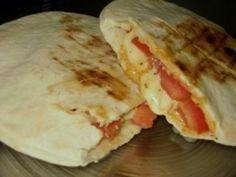 Mozzarellali Pita Ekmeği Tarifi - Mozzarellali Pita Ekmeği yapımı için gereken malzemeler ve yapılışı Yemek tarifleri -tr.com'da Pitaya, Diet Recipes, Mexican, Tacos, Dairy, Healthy Diet Recipes, Skinny Recipes