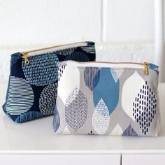 Zip Pouches Quilter's Cotton from Modern Abstractions by Eloise Renouf for Fabrics Cloud 9, Diaper Bag, Coin Purse, Fabrics, Pouches, Quilts, Abstract, Modern, Zip