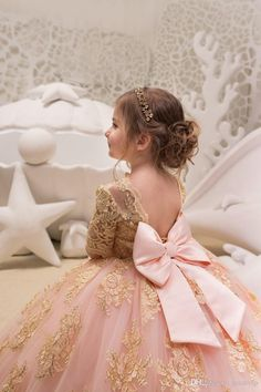 4068bc05f4c Blush Pink Ball Gown 2018 Flower Girls Dresses For Weddings Half Sleeve  Lace Appliqued Kids Formal Wear Tulle Communion Dress