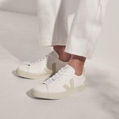There is 1 tip to buy shoes. Veja Sneakers, Shoes Sneakers, Zapatillas Veja, Leather Trainers, Romper Pants, Classic Leather, Buy Shoes, Sneakers Fashion, Footwear