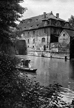 Kampa - na Čertovce pod Karlovým mostem Prague Czech, Old Paintings, History Photos, Romanesque, City Photography, More Pictures, Czech Republic, Great Photos, Beautiful Places