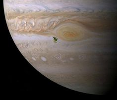 The size of North America in comparison to Jupiter.  Image: John Brady/Astronomy Central #sciencealert #space #wow by sciencealert