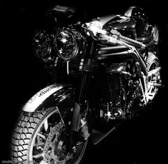 speed cafe racer | présente sa Speed Triple 1050... - Café Racer - Roadster - Speed ...