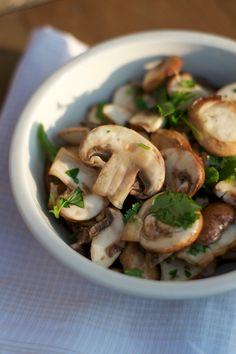 mushroom salad | Lisa Hjalt