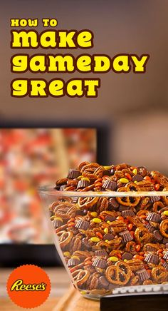 There's something for everyone in this sweet, salty, chewy and crunchy mix, including REESE'S Peanut Butter Cup Minis and sweet and crunchy REESE'S cereal… just in case you slept in on Gameday and missed breakfast!