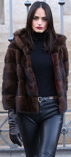 Nadire Atas on Luxury Fur Coats Fall Fashion Outfits, Fur Fashion, Casual Outfits, Manteau Vison, Mink Jacket, Coats For Women, Clothes For Women, Fabulous Furs, Winter Mode