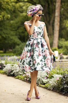 LOOK: RETRO STYLE FLORAL DRESS   MACADEMIAN GIRL