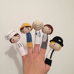 Crochet Toys For Boys Finger puppets free crochet toy patterns by doubletrebletrinkets. fast becoming my favourite crochet site, these are lovely! Crochet Diy, Crochet Gratis, Crochet Amigurumi Free Patterns, Love Crochet, Crochet Dolls, Finger Puppet Patterns, Crochet Mignon, Yarn Crafts, Crochet Projects