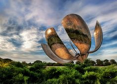 Solar Flower- The Giant Robotic Flower of Buenos Aires