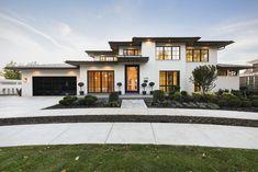 Unique House Design, Dream Home Design, Luxury Homes Dream Houses, Dream Homes, Modern Exterior, Exterior Colors, Black Exterior, Home Exterior Design, Modern Home Exteriors