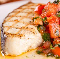 Diesen Low-Carb Kabeljau mit Tomaten und Petersilie und viele weitere schnelle Fisch & Meeresfrüchte-Rezepte für Deinen kostenlosen Diätplan findest Du auf invikoo.