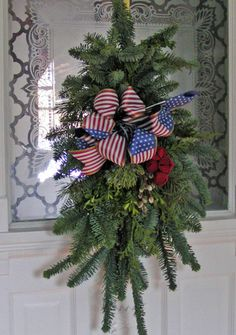swags wreaths christmas | Fresh Christmas Wreaths | Christmas Wreath | Christmas Wreath ...