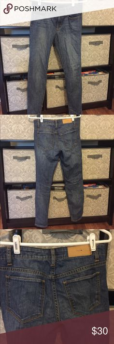 Joes skinny jeans Joes skinny jeans. Great condition! Just a little wrinkly in the pictures from being folded in a drawer ;) Joe's Jeans Pants Skinny
