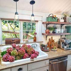 Cottage Living, Cottage Homes, Cottage Style Kitchens, Cottage Kitchen Renovation, Farmhouse Kitchens, Cottage Gardens, Living Room, Kitchen Vignettes, Kitchen Decor