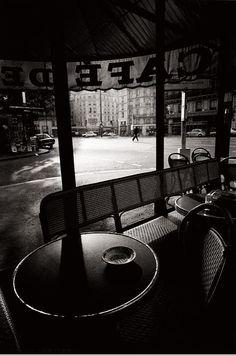 Le Café de Flore par © Jeanloup Sieff (1933-2000), en 1975 (Paris 6ème)