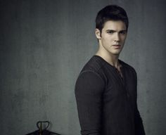 Stephen R McQueen - Jeremy from Vampire Diaries looking smokin' hot in a henley.