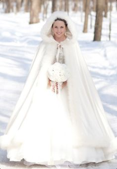 Hooded cape for a winter wedding how dramatic and romantic! Ohh I want one, and I'm already married and old! hahaha