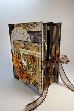 Designs by Shellie: 8-1/2 x 6-1/2 SCRAPBOOK ALBUM FEATURING HEARTFELT CREATIONS CLASSIC SUNFLOWER COLLECTION