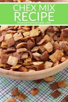 Chex Mix Recipe Chex Mix Recipe This Chex Mix Recipe is super easy to make and SO much better than store bought. It takes under 5 minutes to put together and then into the oven it goes. It's better than the original! Chex Mix Recipe Oven, Snack Mix Recipes, Original Chex Mix Oven Recipe, Homemade Chex Mix, Wow Recipe, Creative Food, Super Easy, Snacks, Store
