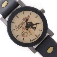 Reloj negro con esfera en tonos pastel y borde negro. Con dibujos de dos gatos enamorados en su esfera. #reloj #relojpulsera #relojgato