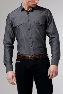 I could use one of these. #chambrayshirt #gray #menstyle