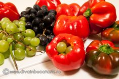 gogosari-in-otet-umpluti-cu-struguri-1 Stuffed Peppers, Vegetables, Food, Canning, Stuffed Pepper, Essen, Vegetable Recipes, Meals, Yemek