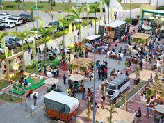 Outdoor Cafe, Outdoor Food, Food Court Design, Plaza Design, Food Truck Festival, Food Park, Cafe Concept, Pop Up Market, Youth Center