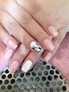 Spring vibes 😊 Nude nails and cute butterfly 😍