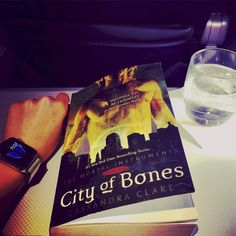 Emeraude reading City of Bones