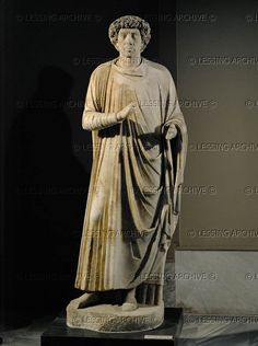 Statue of a Roman judge, late antique, about 425-250. Marble, H: 181 cm From Aphrodisias Inv. 2266 Archaeological Museum, Istanbul, Turkey
