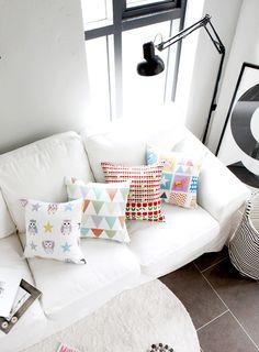 [바보사랑] 밝은 컬러와 패턴이 예쁜 북유럽감성 쿠션 /쿠션/인테리어/패브릭/북유럽/패턴/캐릭터/부엉이/튤립/봄/거실/일러스트/Cushion/Interior/Fabric/Pattern/Northern/Characters/Screech/Tulip/Spring/Living roomIllustration