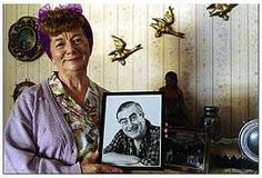 Jean Alexander as Hilda with her flying ducks on the wall. Coronation Street Actors, British Drama Series, Strong Character, Soap Stars, Kids Tv, Classic Tv, The Good Old Days, Childhood Memories, Nostalgia