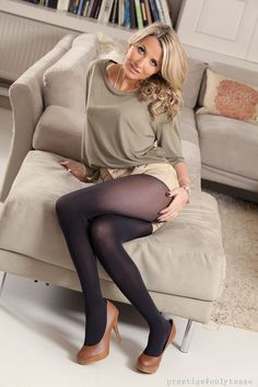 Gal In Pantyhose Fucked 116