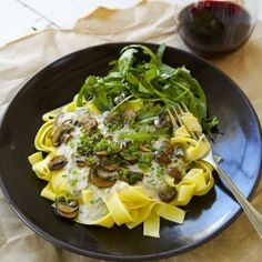 Mushroom and Herb Pasta with Vegan Cashew Cream Sauce - Nadia Lim Yummy Pasta Recipes, Healthy Recipes, Dinner Recipes, Healthy Cooking, Cooking Recipes, Baked Chicken Drumsticks, How To Cook Mushrooms, Cashew Cream, How To Cook Pasta