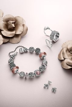 PANDORA's Autumn collection 2015 is filled with spectacular pieces inspired by nature.