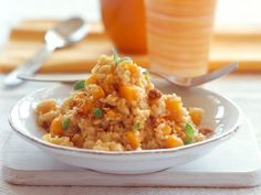Kürbis-Risotto mit Amarettini ist ein Rezept mit frischen Zutaten aus der Kategorie Risotto. Probieren Sie dieses und weitere Rezepte von EAT SMARTER!