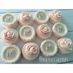 Cute Cookies, Oreo Cookies, Cupcake Cookies, Chocolate Covered Treats, Chocolate Dipped Oreos, Oreo Treats, Oreo Desserts, Plated Desserts, Maria Theresia