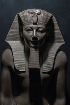 Thutmose is no dessert as his reign lasted for 54 years. That unified Egypt leaving behind wonderful statues. Egyptian Mythology, Egyptian Symbols, Egyptian Goddess, Ancient Egyptian Art, Statues, Pyramid Tattoo, Ancient Astronaut Theory, Egypt Museum, Pyramids Egypt