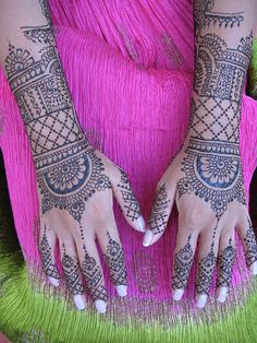 henna design -if I could have hand tattoos ever I would get something like this Mehndi Tattoo, Henna Tattoo Designs, Henna Mehndi, Mehndi Designs, Tattoo Ink, Henna Body Art, Henna Art, Hand Tattoos, Cool Tattoos