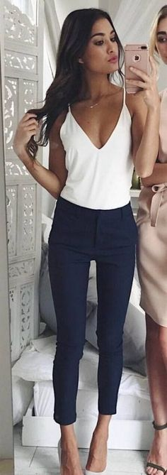 #Summer #Outfits / White V-Neck Top + Navy Blue Skinny Pants