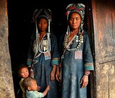 Akha family portrait in a remote village in Phongsali area, Laos #laos #tribes…