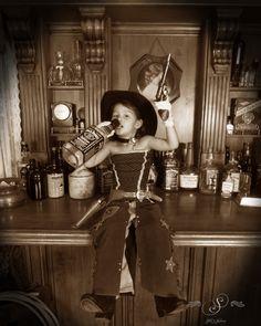Yeehaw! #fun #oldtimephotostyle #oldtimephotostudio #oldtimephotos #oldtymephotos #reachforthesky #photography #glenwood #glenwoodsprings #glenwoodcaverns #glenwoodcavernsadventurepark #thingstodo #colorado #coloradovaca #coloradovacation