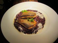 Zander auf schwarzem Risotto - mmmhmmm Austria, Risotto, Steak, Food, Essen, Steaks, Meals, Yemek, Eten