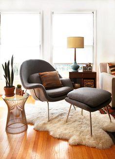 perfect reading corner, sheepskin rug