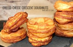 http://www.ohbiteit.com/2014/11/grilled-cheese-crescent-doughnuts.html