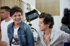 Harry Styles / Louis Tomlinson (One Direction)