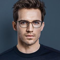 31 Amazing Macho Men Style with Eyeglass for Himself - Fashion Ideas - Brille Mens Glasses Frames, Cool Glasses, Glasses For Men, Glass Frames For Men, Men Eyeglasses, Designer Eyeglasses, Fashion Eye Glasses, Wearing Glasses, Male Face